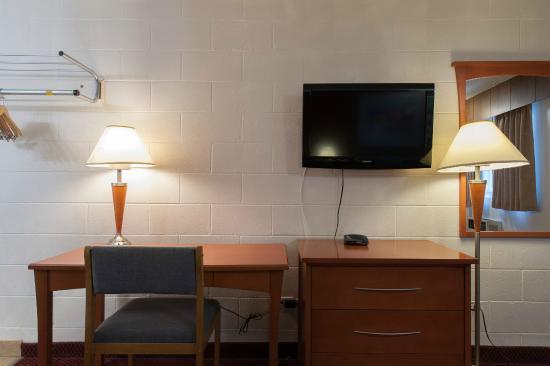 Fountain Motel: Study Desk