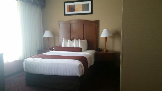 Best Western Plus Hannaford Inn & Suites : We truly enjoyed our stay here! Great room and accommodations for the money! Would completely re