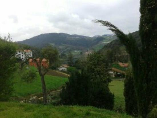 Hotel Villa Itsaso: Vistas de la montaña