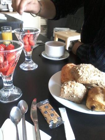 The Resid For Calixte: très petit déjeuner !!