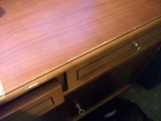 Amalienhof: Ramponierte Möbel