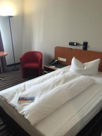 H+ Hotel Leipzig: Room