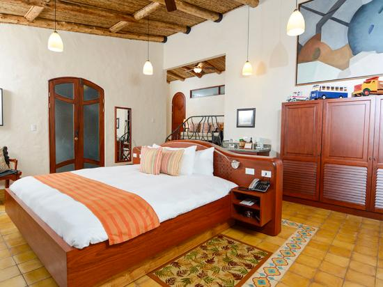 "Finca Rosa Blanca Coffee Plantation & Inn: Bedroom of ""EL CIELO"" Master Suite Cottage"