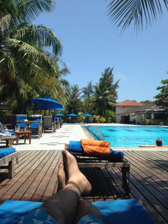 Hulhule Island Hotel: Amazing pool