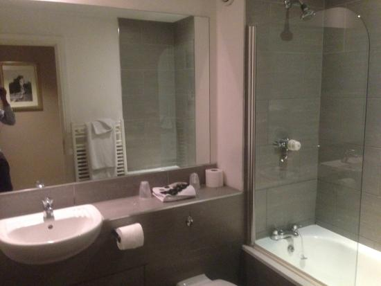 The Royal Hotel Bathroom And Toilet