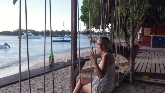 Barco Bar: Swing and a sunset...