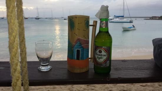 Barco Bar: The Presidente is cold...