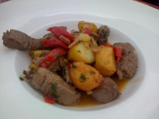 El Cenador de los Canonigos: Guiso de Ternera asturiana con patatinos