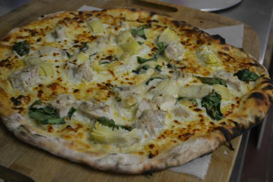 Northport, ME: Spinach Artichoke Pizza
