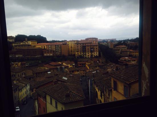 B&B San Francesco: Vista stanza Lorenzetti