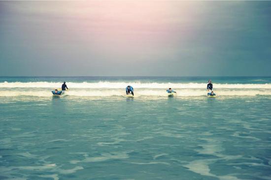 Kailua Surf School Fuerteventura : Party Wave