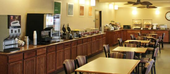 Comfort Inn & Suites St. Louis - Chesterfield : Full breakfast