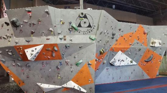 ‪Dyno-Rock Indoor Climbing Center‬