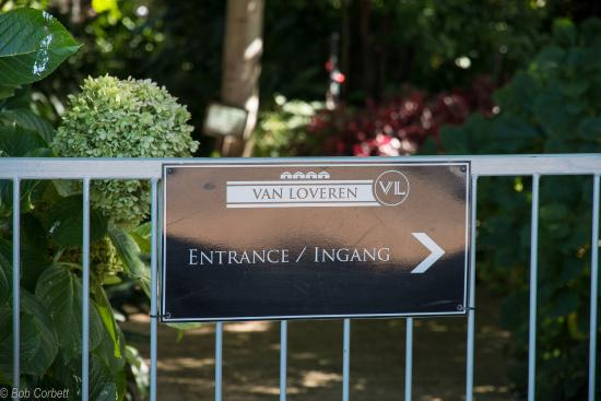 Christina's Bistro at Van Loveren: The entrance is that way.........