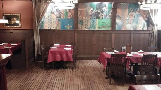 Big Daddy'S Crab Shack And Oyster Bar : One of the interior rooms
