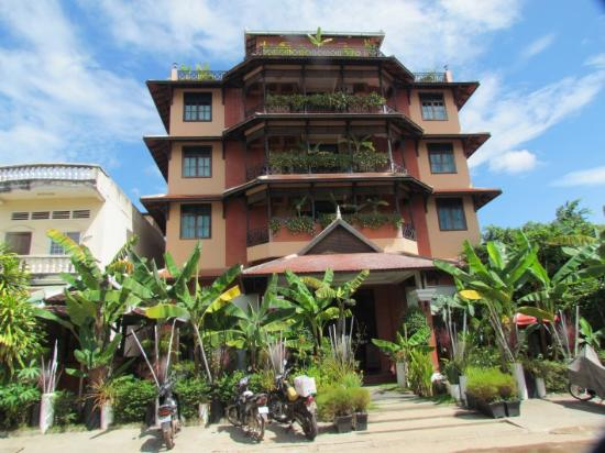 Beautiful rooftop restaraunt picture of angkor panoramic for Beautiful small hotels