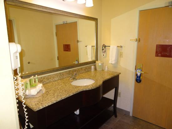 Holiday Inn Express Farmington (Bloomfield)