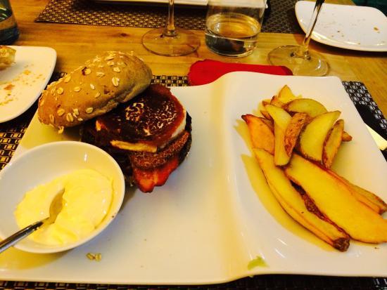 Hamburguesa con queso de cabra fotograf a de barra 56 - Barra 56 majadahonda ...