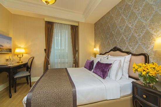 Meroddi Pera Hotel: Deluxe Double Room