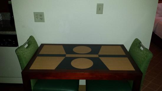 Residence Inn Lakeland: Dining area room