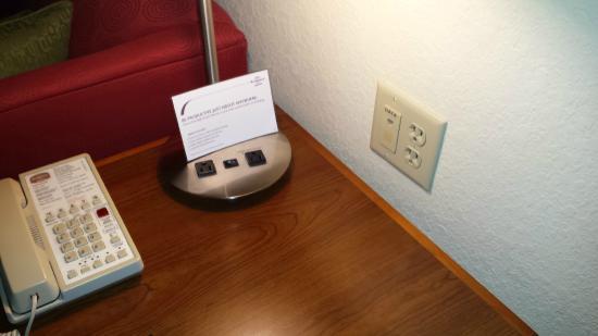 Residence Inn Lakeland: Desk Lamp