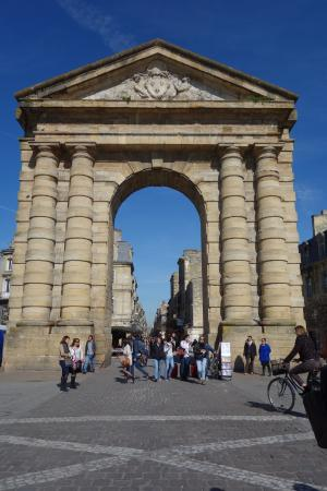 Picture of place de la victoire bordeaux tripadvisor for Location t3 bordeaux victoire