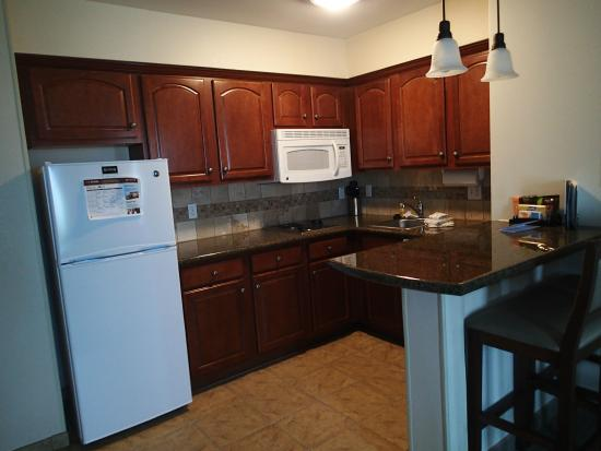 Staybridge Suites Tucson Airport: All the kitchen we could possibly need
