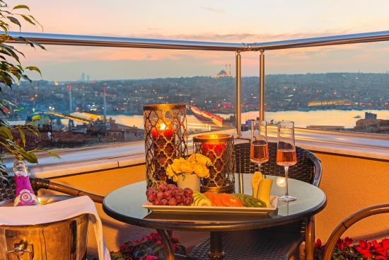 Meroddi Pera Hotel: Nar Suites Pera-Terrace