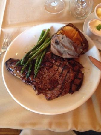 Wingdale, NY: Black Bear Restaurant & Tavern