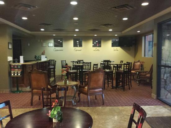 Best Western Legacy Inn & Suites: Bar area