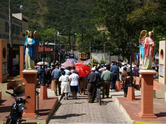 Vapues Nicaragua Tours: funeral in Jinotega