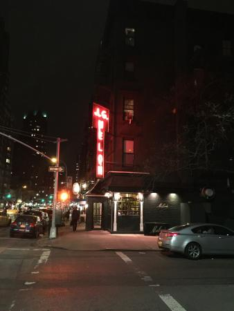 Photo of American Restaurant J.G. Melon at 1291 3rd Ave, New York, NY 10021, United States