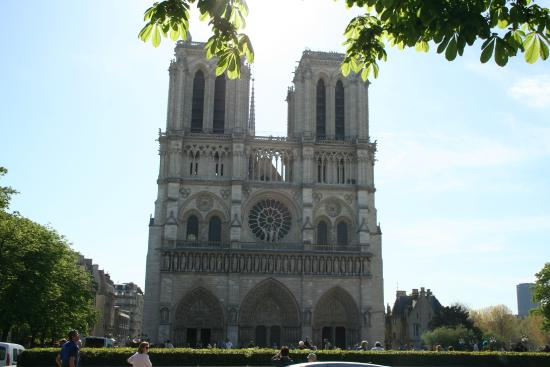 Exterior picture of notre dame cathedral paris for Exterior notre dame
