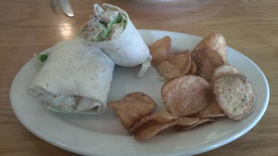 CourtHouse Grille: egg salad wrap