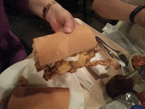 Mother's Restaurant: Soft shell crab Po-Boy - awesome!!