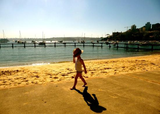 Randwick, Australia: Boy at Red Leaf Pool (Sydney tour)