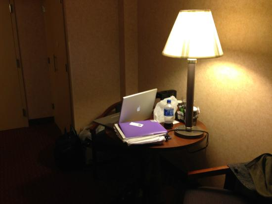 Comfort Inn Pocono Lakes Region: Just fits laptop
