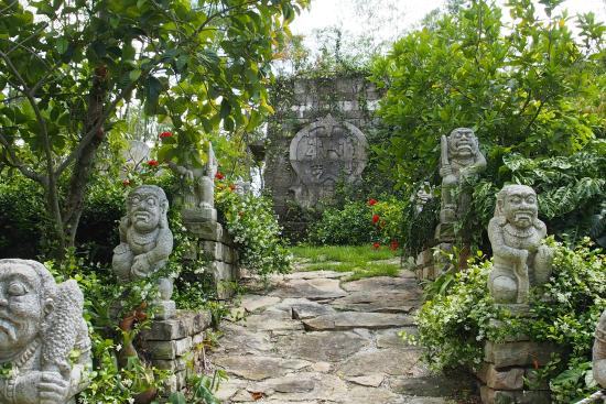 Aztec garden at Naples Botanical Garden