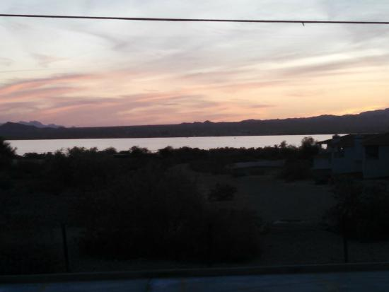 Rodeway Inn & Suites: The sunset over the lake from my deck was beautiful.