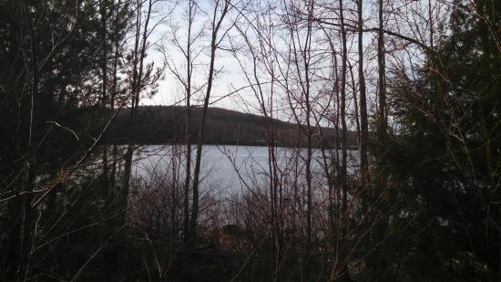 Hampton Inn Auburn : Dark Pond Reservoir