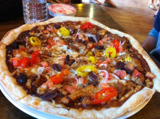 La Baguette: Homemade pizza