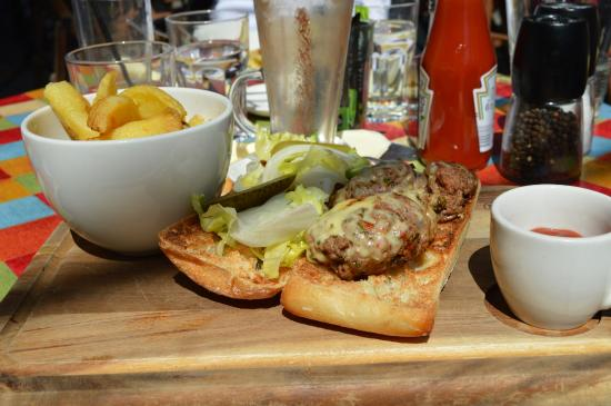 Wal: Super yummy Welsh burger and fries
