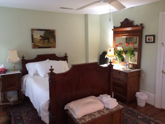 The Colonels : Antebellum room - Room #2
