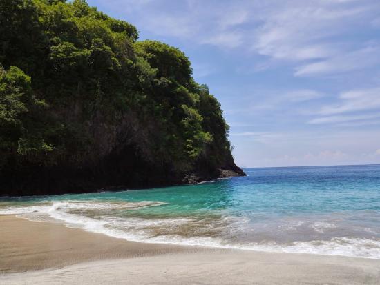 White Sand Beach: Beach View