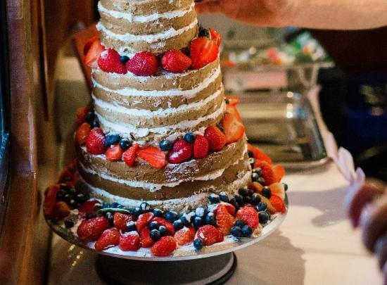 Naked Wedding Cake Flavors Lavender Earl Grey And Sticky - Cake Flavors Wedding