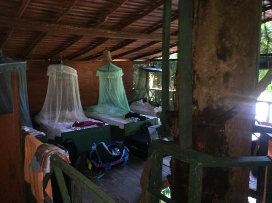 Rafters Retreat: Inside room 2