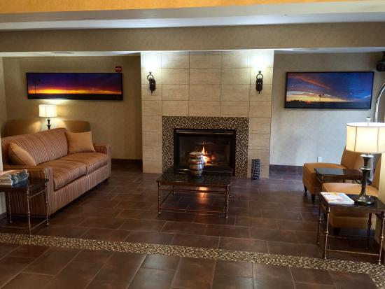 Holiday Inn Express Walla Walla: Modern lobby