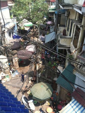 Hanoi Winter Hostel : View from balcony