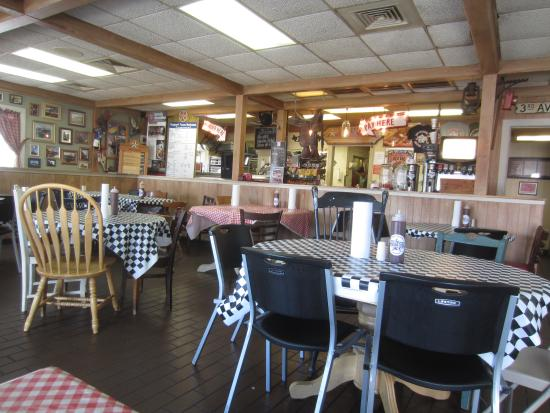 Tyler's Barbecue: casual dining