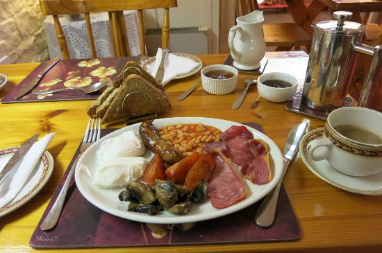 Blue Swallow Guesthouse: Breakfast